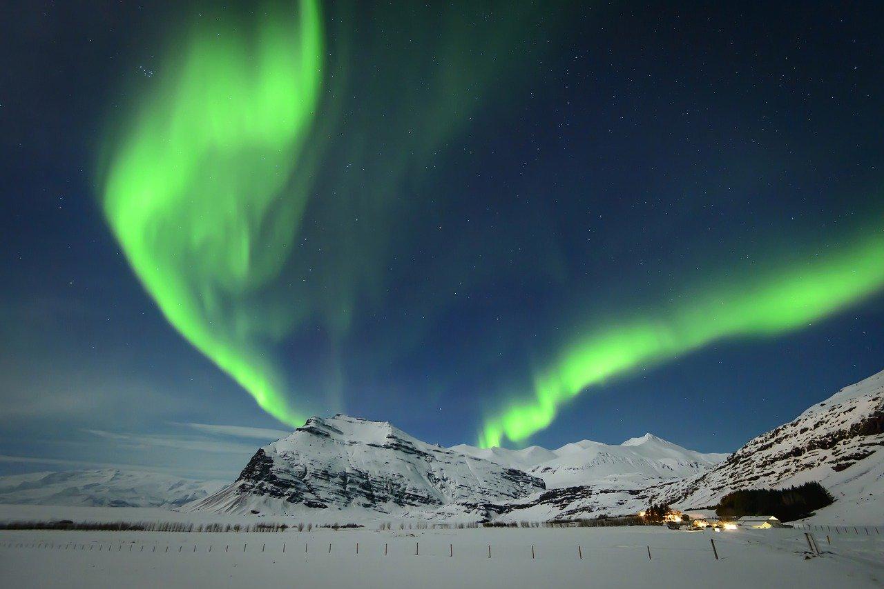 Gaură uriașă în stratul de ozon deschisă deasupra Polului Nord, de 3 ori mai mare decât Groenlanda